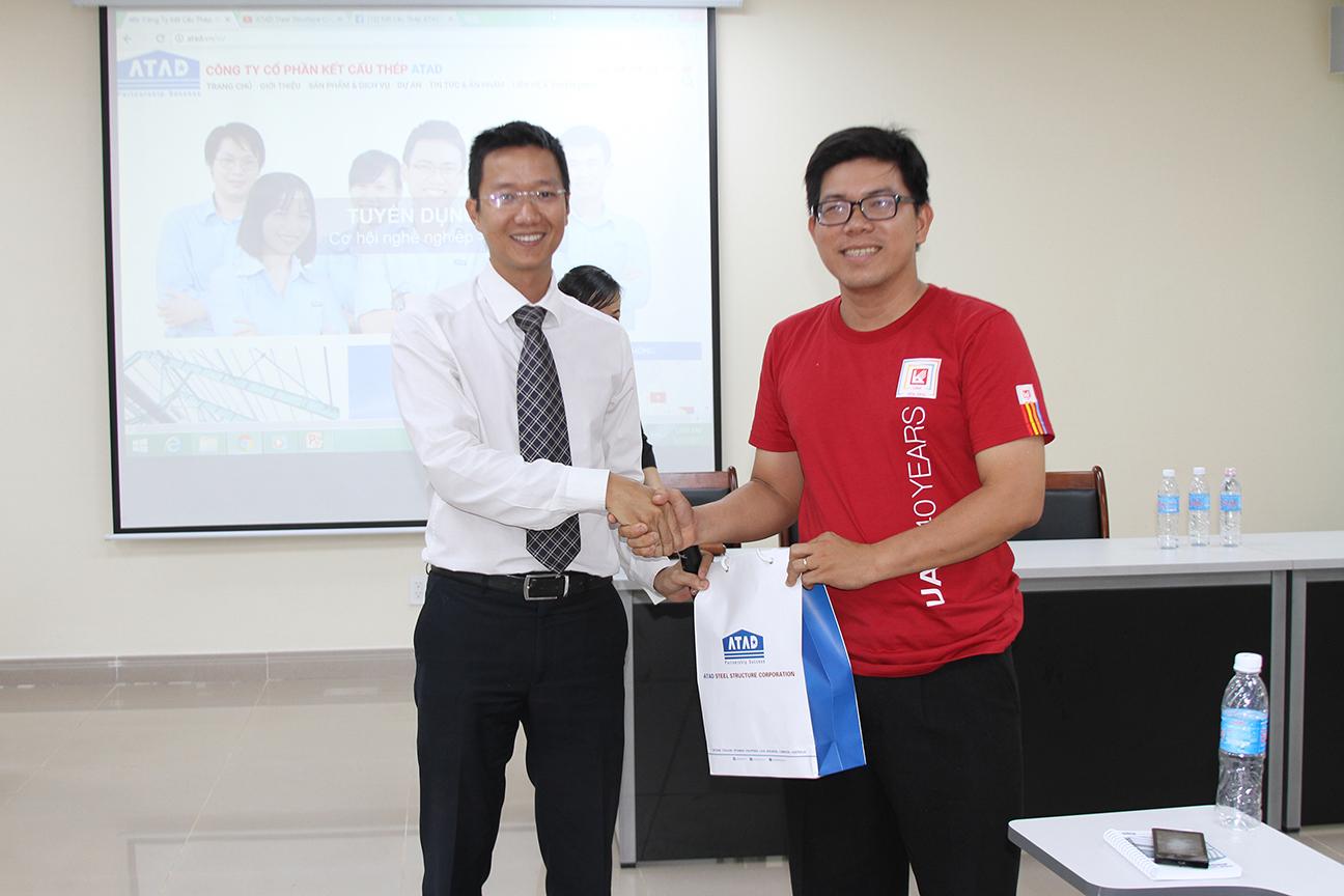 ATAD representative presented gifts for UAH representatives