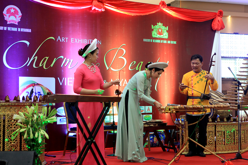 "the ""Vietnam and Myanmar: Charm and Beauty"" art exhibition 2"