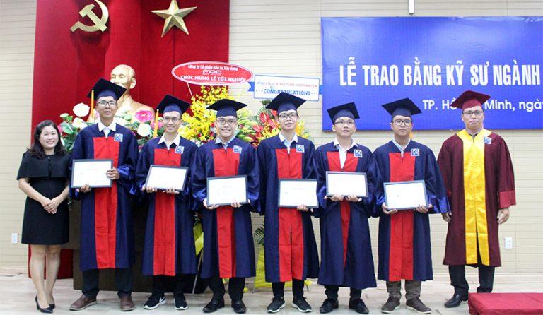"Fresh graduate engineers from UAH received ""ATAD enlightens Steel Spirit"