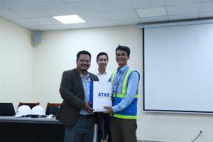 ATAD representatives gave ATAD gifts to lectures