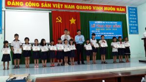 ATAD presented scholarships to underprivileged students in Long Khanh town 1
