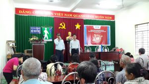 The gift-giving ceremony to the blind association of Long Khanh town
