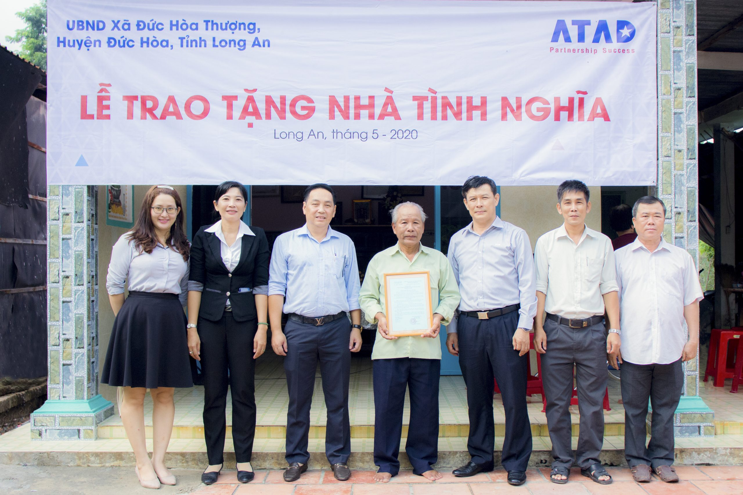 ATAD presented houses of gratitude in Duc Hoa district, Long An province