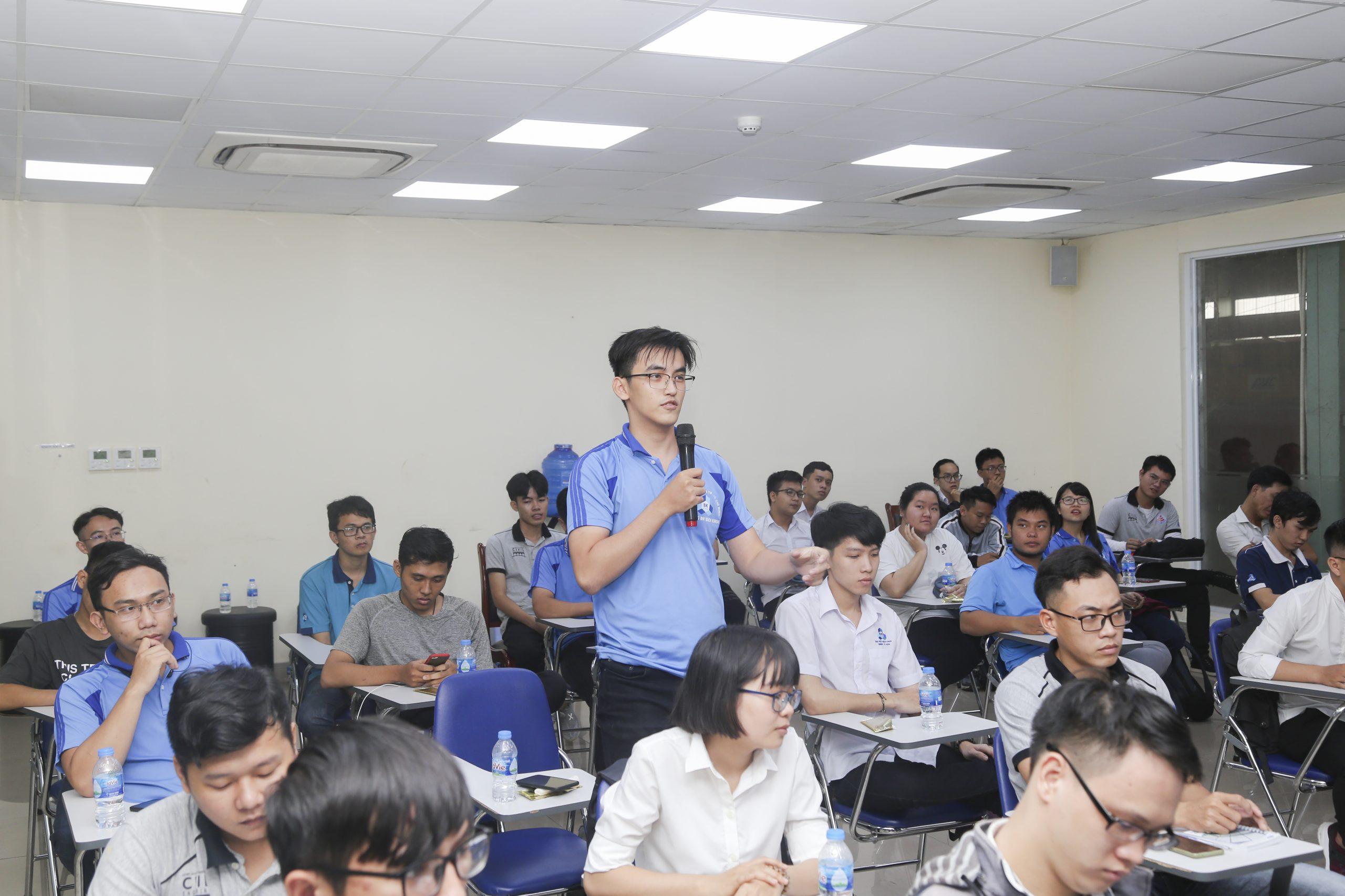 Đoàn sinh viên Đại học Bách Khoa TP. HCM tham quan trải nghiệm thực tế tại nhà máy ATAD Đồng Nai 2