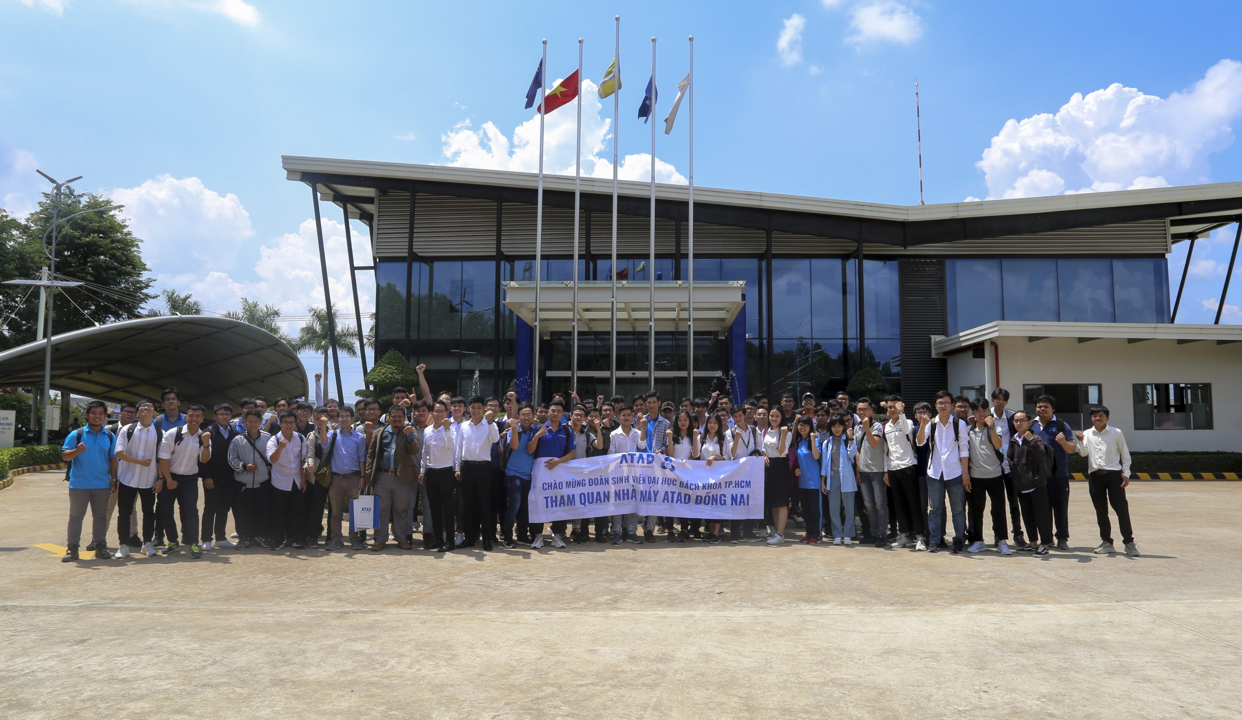 Đoàn sinh viên Đại học Bách Khoa TP. HCM tham quan trải nghiệm thực tế tại nhà máy ATAD Đồng Nai