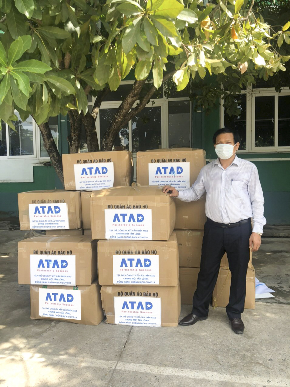 ATAD members donate to help Quang Nam against Covid-19 1