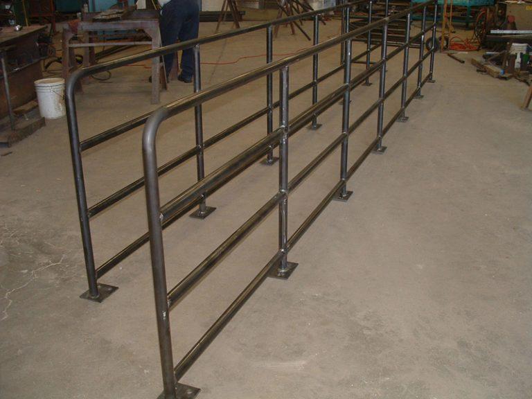 Non-penetrating Guardrail