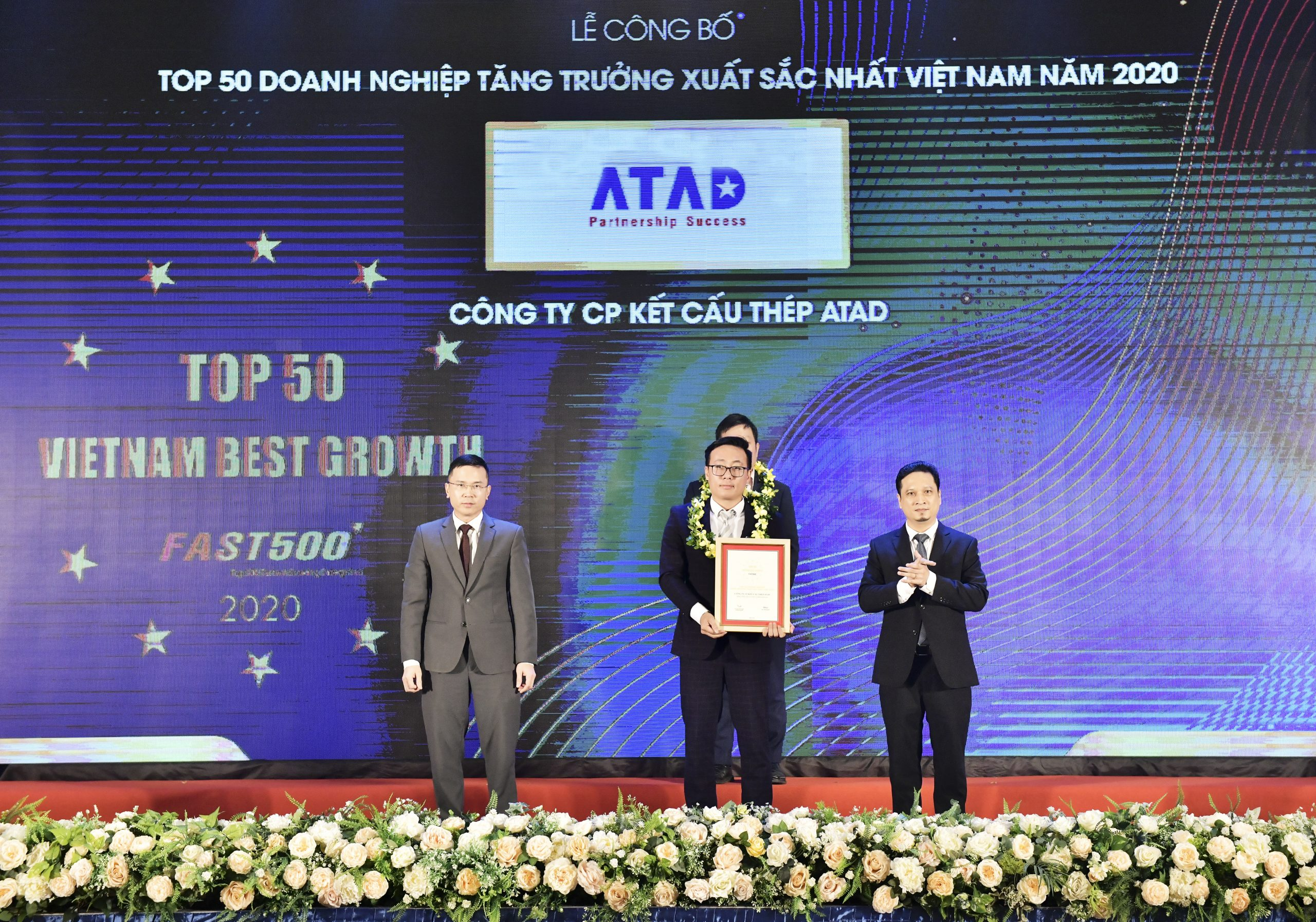 ATAD participated in the ceremony for announcement of Top 500 fastest growing enterprises in Vietnam (FAST500)