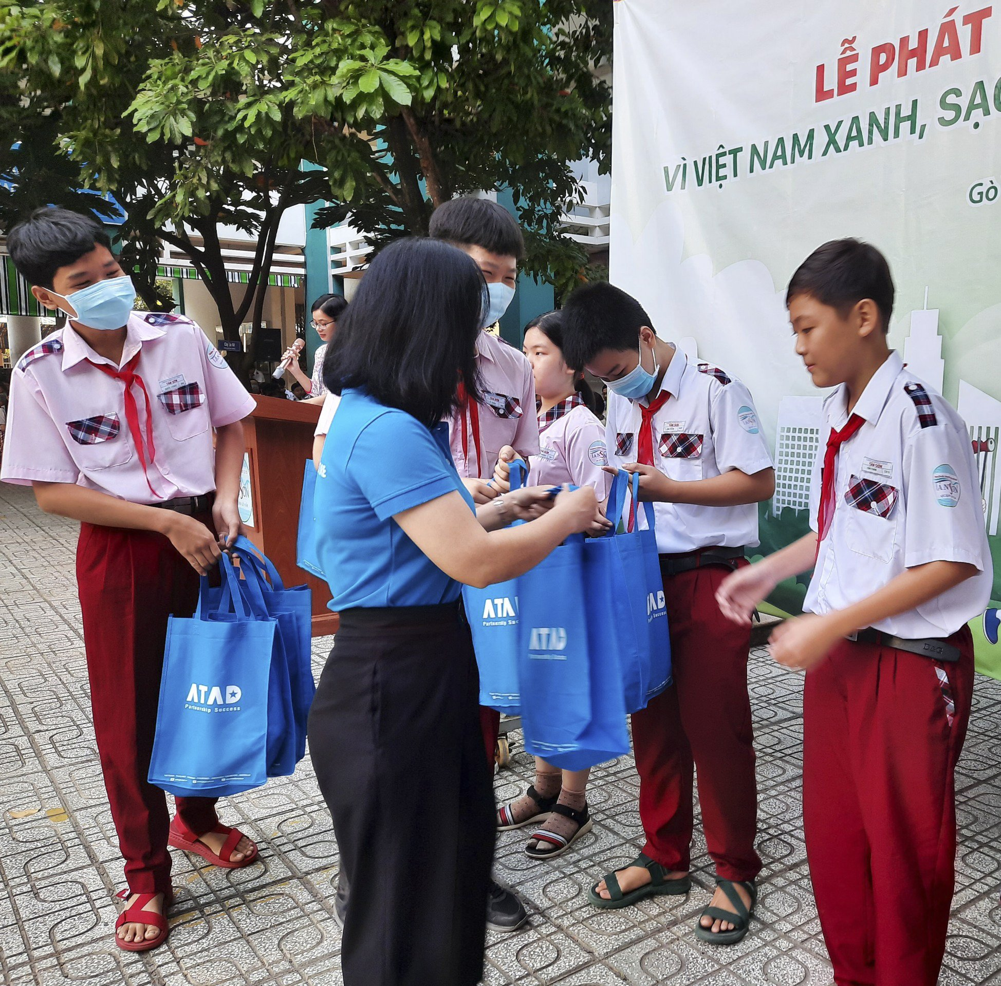 ATAD presented shoes for disadvantaged students